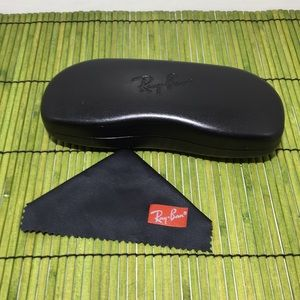 Ray-Ban Case with cleaning cloth